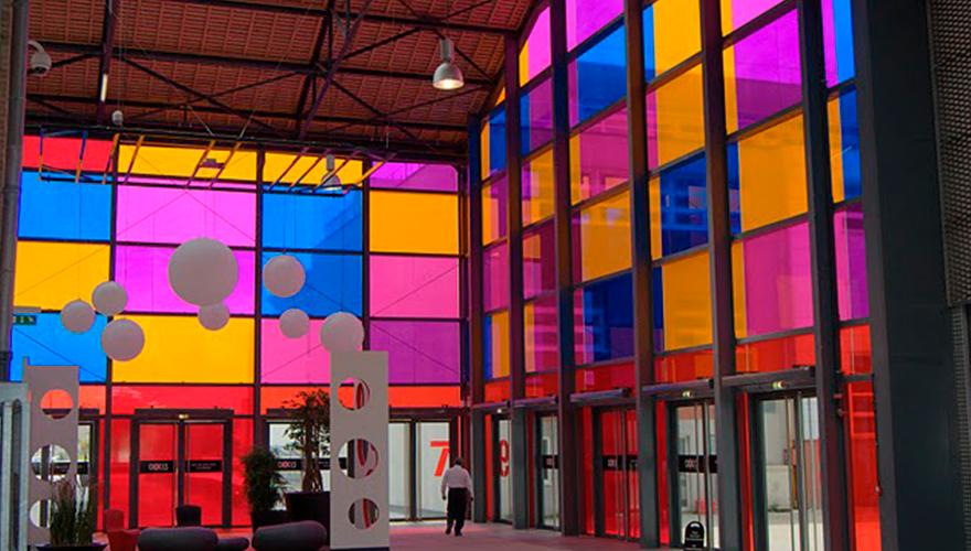 Adhésif transparent de couleur hall
