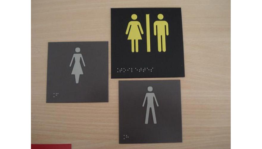 Signalétique réglementaire toilettes