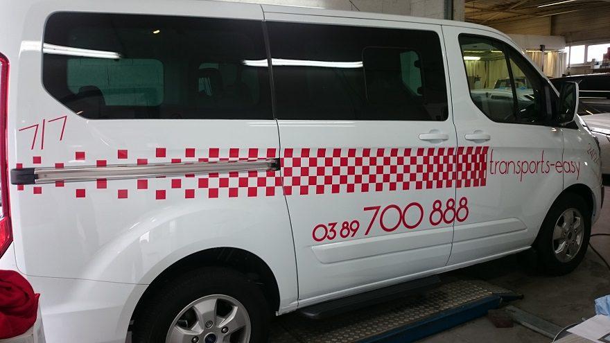 Flocage véhicule décoration adhésive
